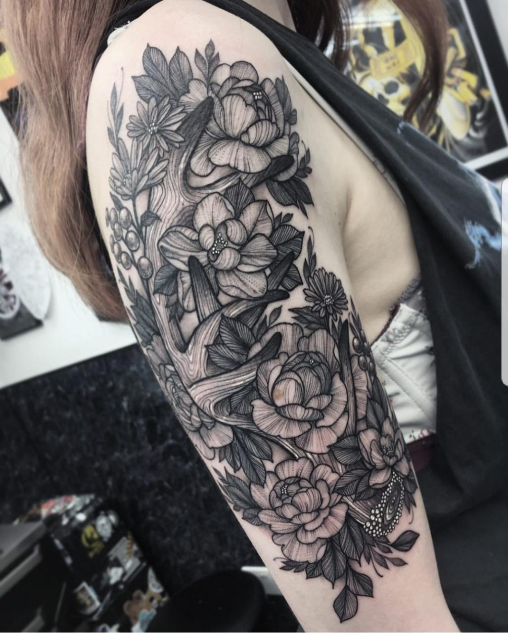 My newest and largest tattoo, fresh out the chair. Done by Poppy Luna at StudioXIII in Edinburgh, Scotland.