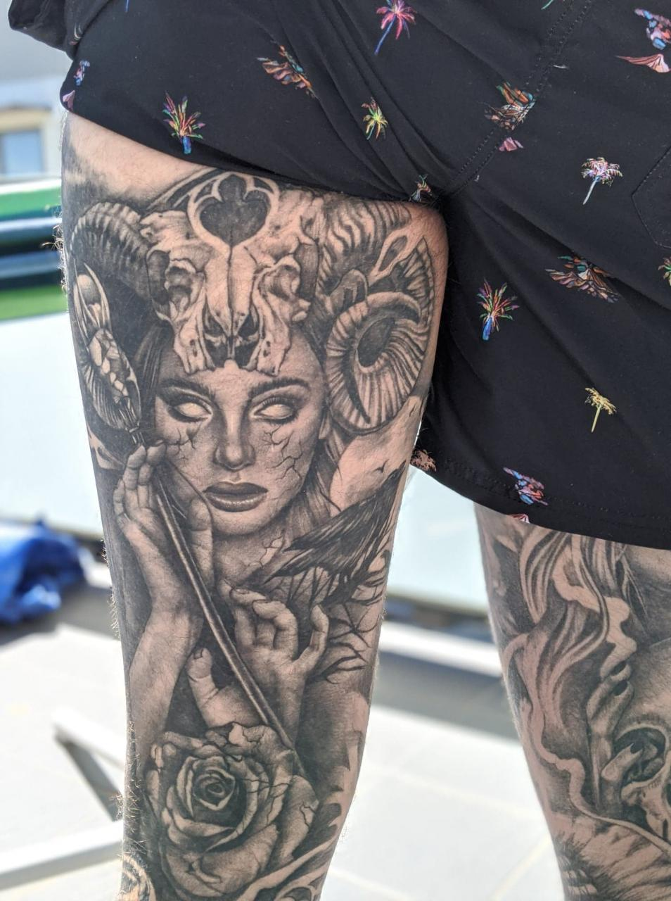 Back of my thigh (and last piece of my leg sleeves), the Occultist from Path of Exile. Done by Miss Kimberley at Garage Ink Manor in Gold Coast, AUS.