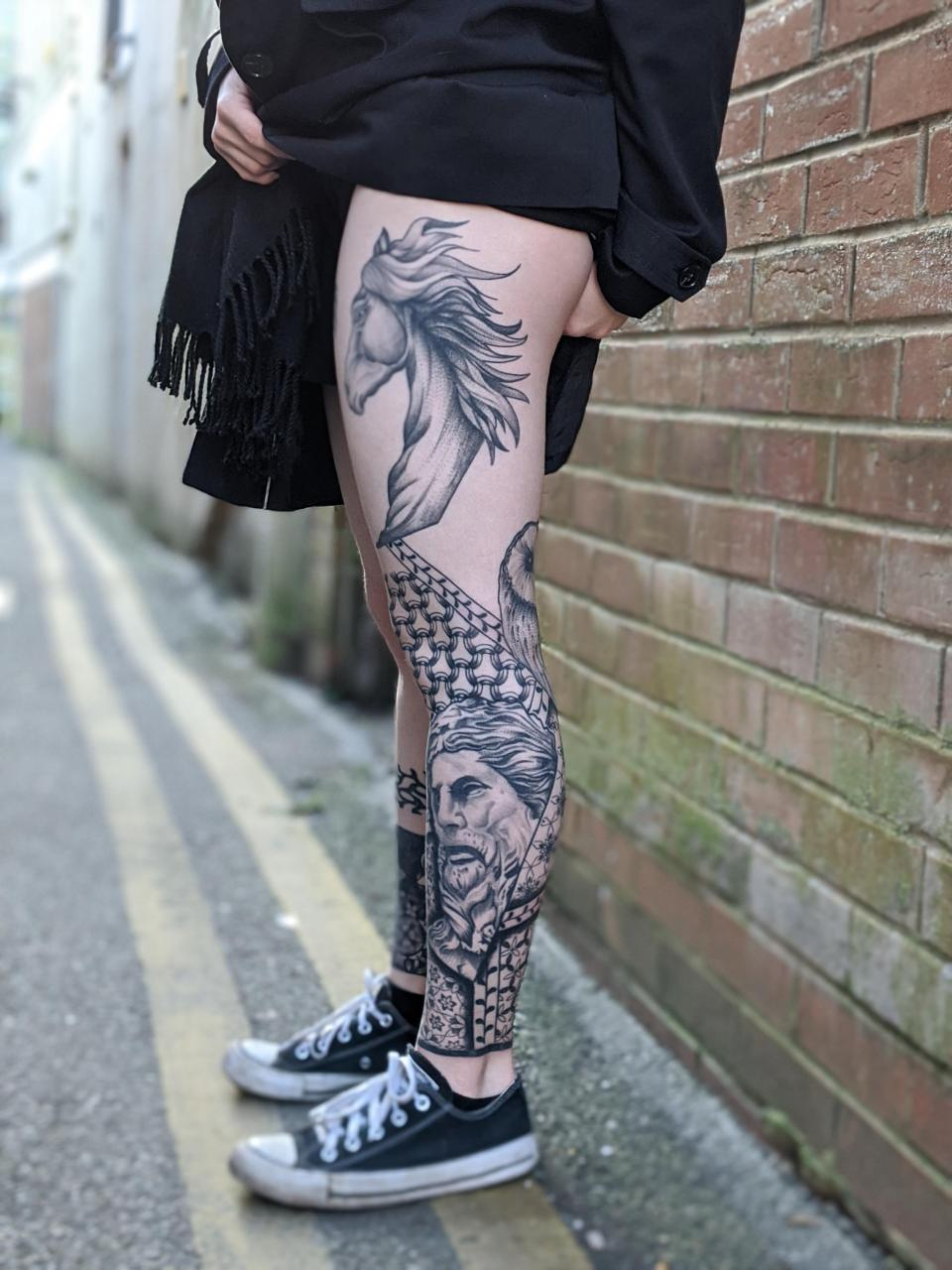 The wife's Leg nearly finished 🙂 All work done by me. My Instagram @jonnysaunders8