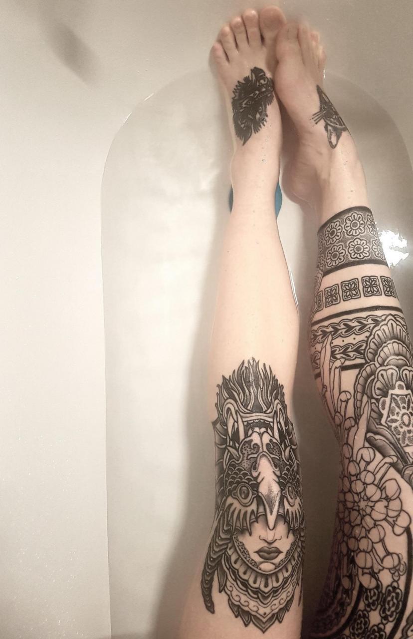 Inked legs. By Paulo, studio Merentis, Stockholm.