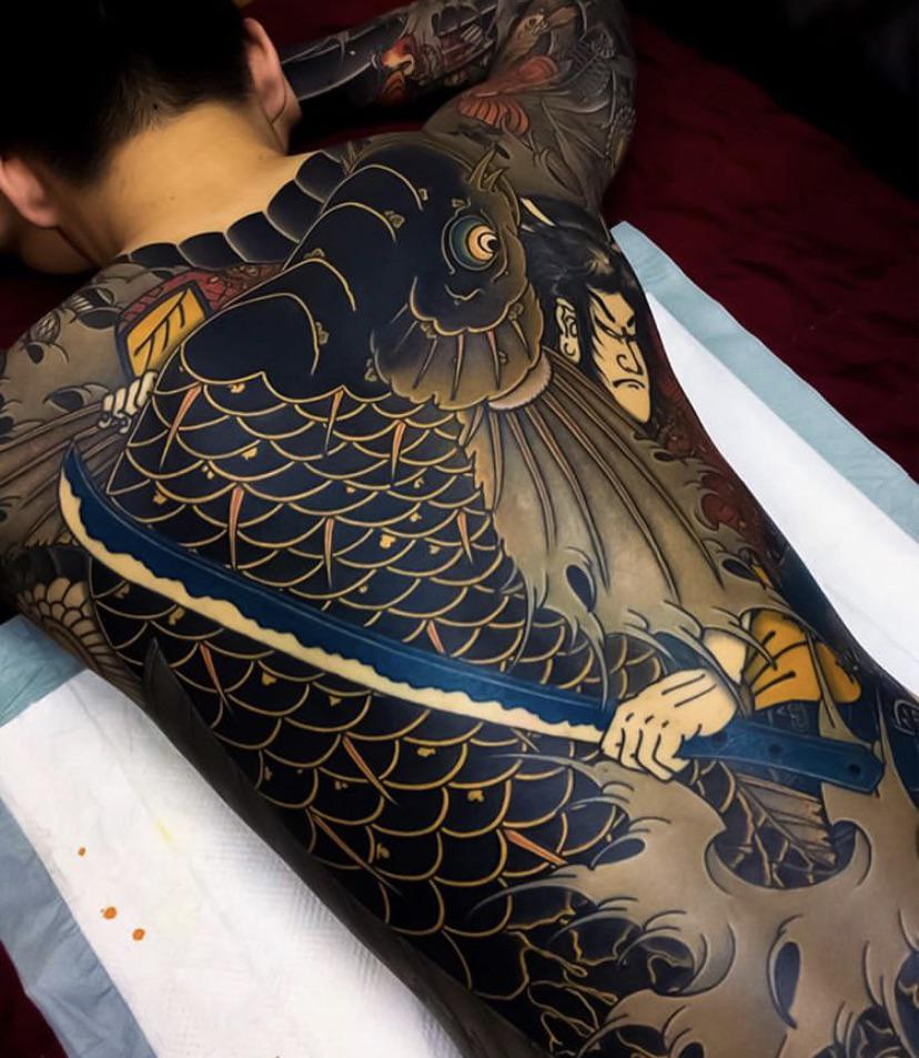 In utter awe at this Japanese back piece done by South Korean artist, Zumiism.