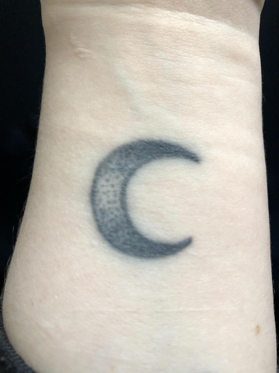 Hello everyone, any ideas on how I can cover up this monstrosity? It's in my wrist