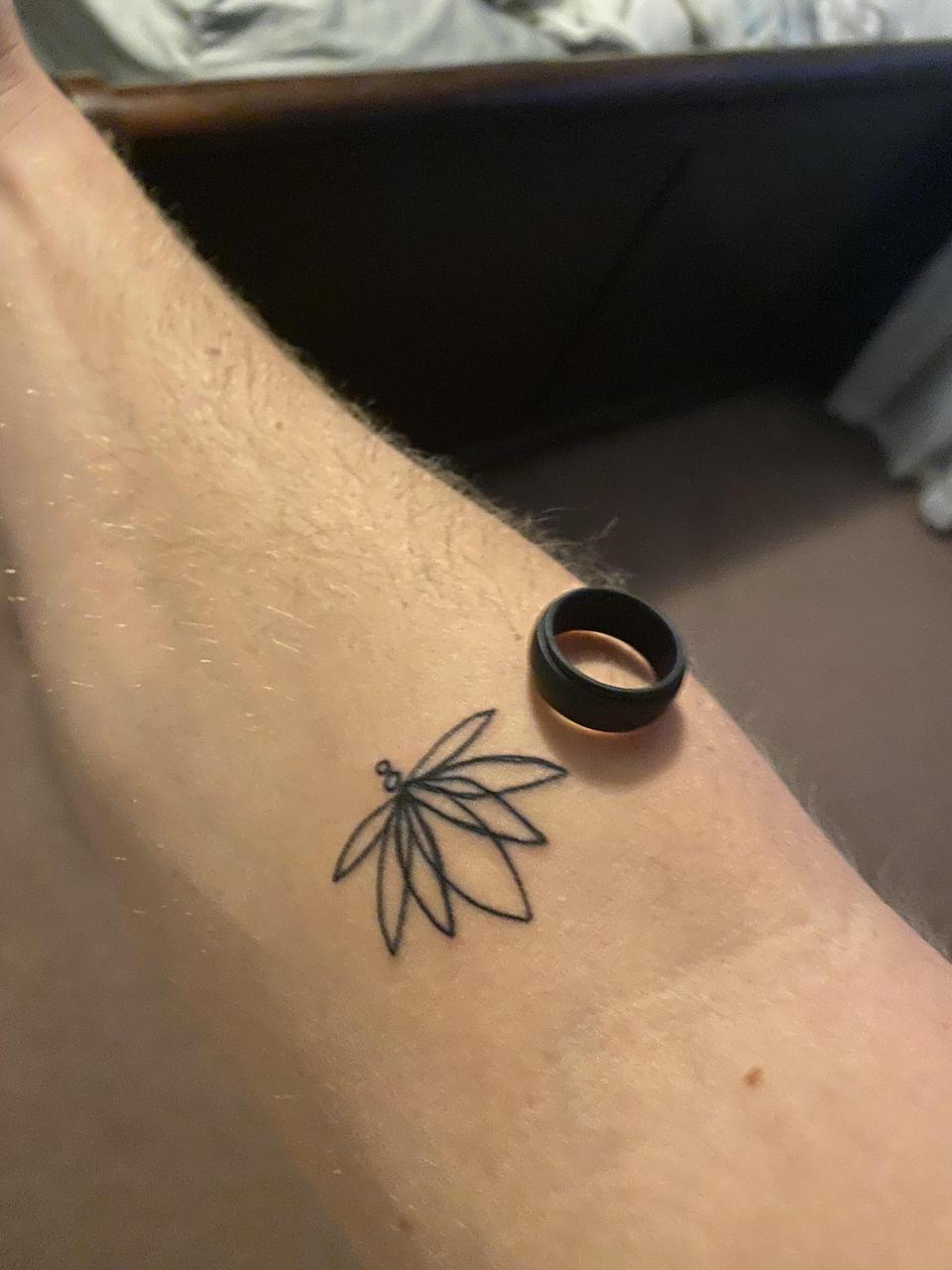 Please help/ can this be covered up my a dark actual lotus/ trusted someone I shouldn't have