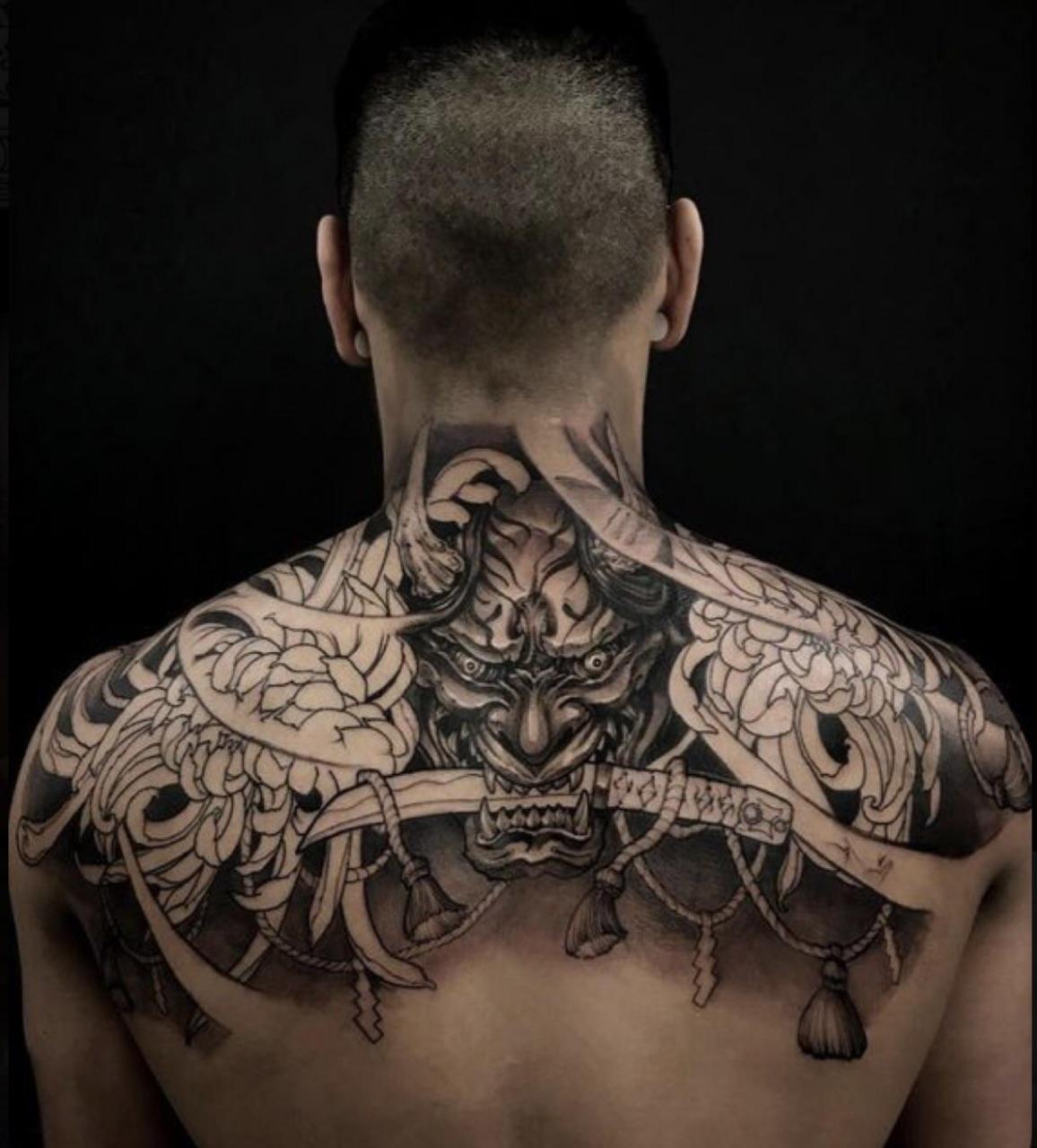 Japanese inspired upper back tattoo. Tattoo done by lumina tattoo studio