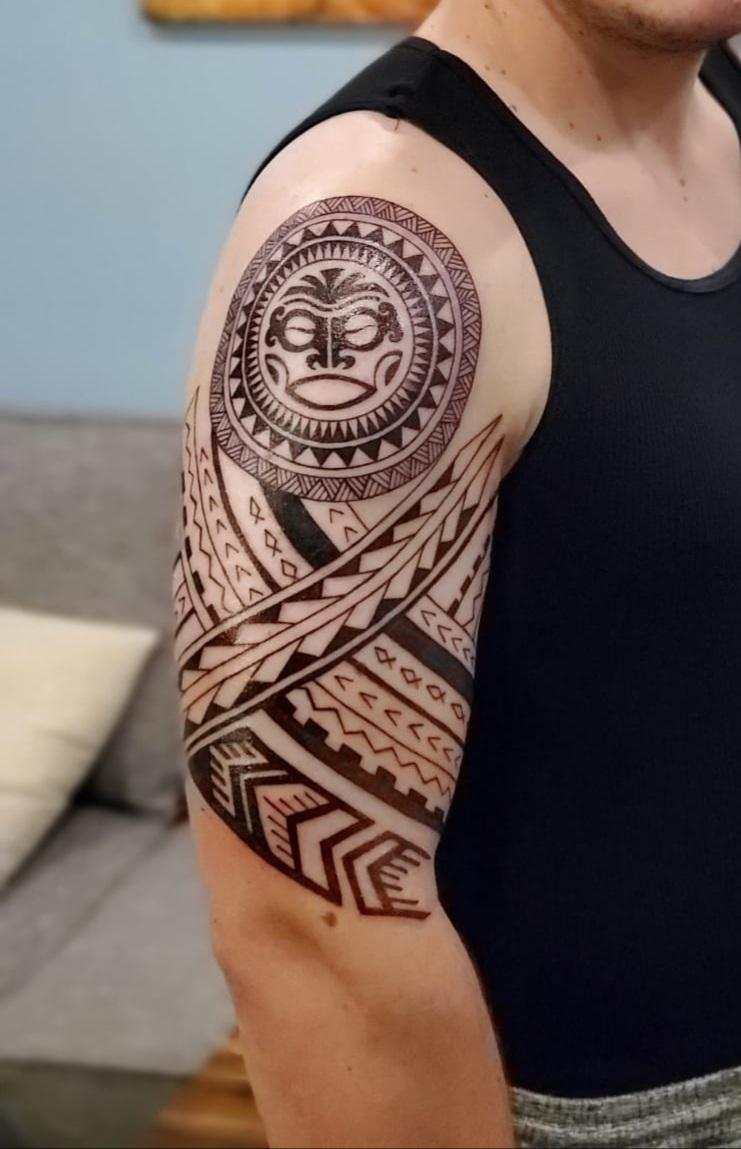 Fist tattoo ever for me. Don't know how to feel about it….. I may come back to have some shades done and expand a bit perhaps. Is this a fail or a win?